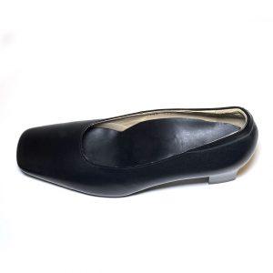 「外反母趾がある」「幅が広い」「細い足」「薄い足」などのお悩みでパンプスが履けなかったあなたでも履ける、大人の5cmヒールスクエアトゥパンプスVoie Des Fleurs〜ヴォワ・デ・フルール〜